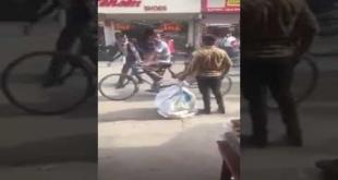 Ye Sahi Ka Mazaq Kya - Must Watch