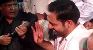 Umer Sharif Teasing Sarfraz Ahmed