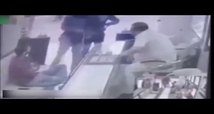 Check The Footage When Shopkeepers Beat Up Armed Robbers In Jewelry Shop