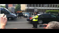 Obama's car gets stuck at US Embassy