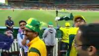 Pakistani Fans Cheering For Australia And Singing Mauka Mauka