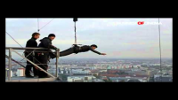 Shah Rukh Khan's 300 feet jump from building in Berlin for Don 2