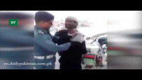 Fake Beggar Exposed By Traffic Warden