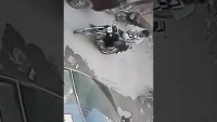 Bike Snatching Footage At Gulshan Iqbal 13-D