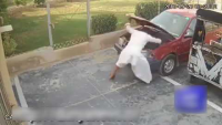 Check How This Guy Stealing Car Battery In 30 Seconds