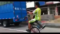 Cycle with one wheel