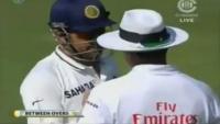 Spirit of Cricket Award Winner Dhoni Fight with Pakistani Umpire