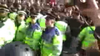 London Police Assault a Woman in G20 Protest