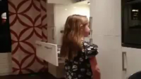 Dad makes Daughter's Ponytail With Vacuum Cleaner